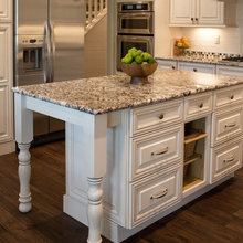 KITCHEN ISLAND !!
