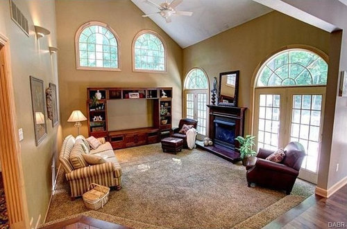 Design Ideas For An Oddly Shaped Living Room