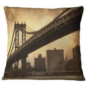 Designart CU7571-18-18 Majesty of Tower Bridge Throw Pillow 18 x 18