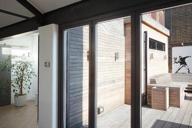 Contemporary Deck by Ensoul Ltd