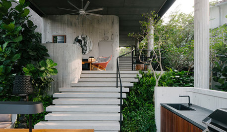 A Lush Singaporean House Takes the High Ground to Gain a Garden