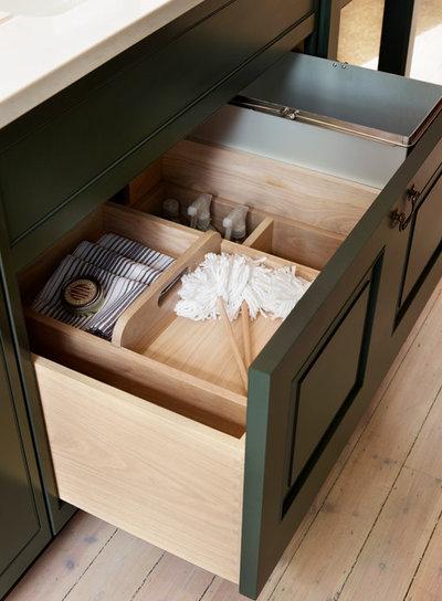 Klassisch  by Kitchen Architecture