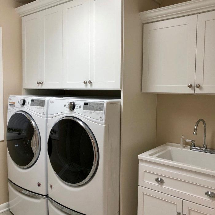 Example of a trendy laundry room design in Philadelphia