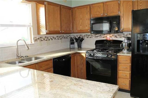 Changing Cabinet Colors Maintaining Black Appliances