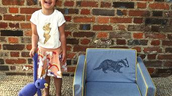 Mini Sett London Kid's mini flip sofa - Swan
