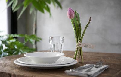 Idea deco del mes: Un centro de mesa con tulipanes y espárragos
