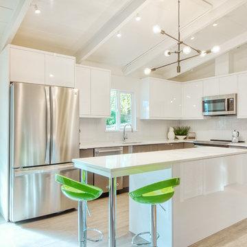 Modern Kitchen in Shoreline
