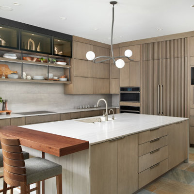 Inspiration for a southwestern kitchen remodel in Phoenix