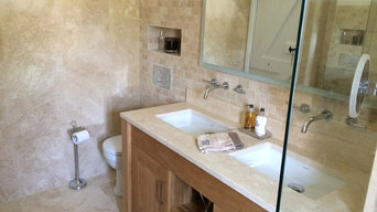 The Cottage Family Bathroom