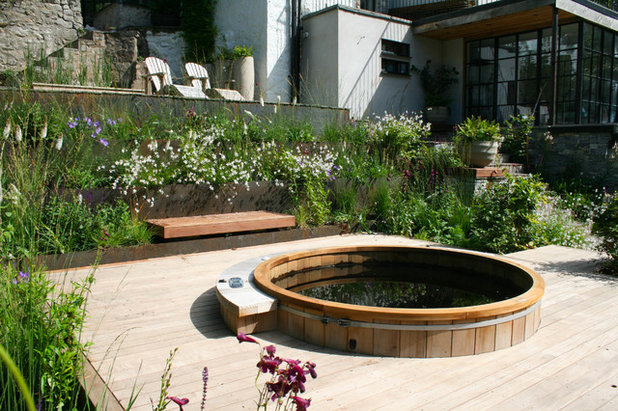 by Abigail Hazell Landscape & Garden Design Ltd.