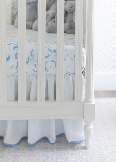 Неоклассика Комната для малыша by Voge Interiors