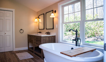 Master Bedroom with claw foot tub