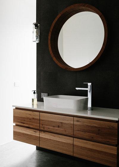 Contemporary  by Greig Design & Construction