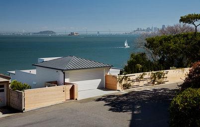 An Award-Winning Landscape Embraces Bay Views