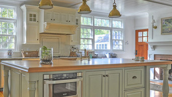 Plain & Fancy Custom Cabinets