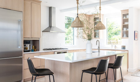 Kitchen of the Week: Breezy Coastal Style With Natural Elements