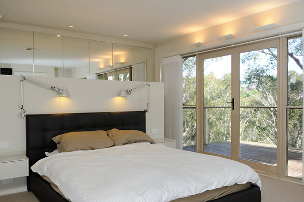Contemporary Bedroom by David Baillie Architect