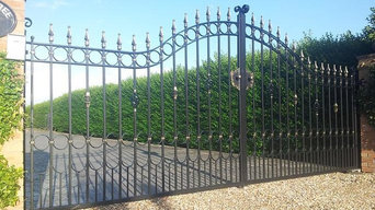 Estate  Drive Gates