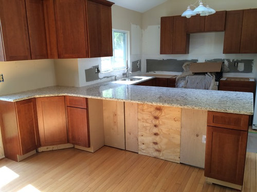 What Color Molding At Base Of Cabinets, Base Molding Around Kitchen Cabinets