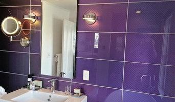 Modono Glass Bathroom Accents