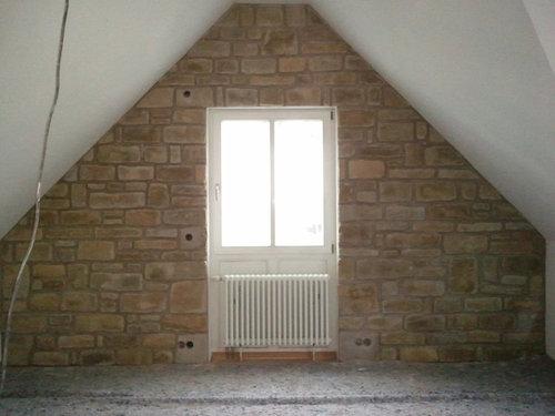 Hier Ist Meine Super Tolle Steinwand (zwischenzeit Ist Die Füge Helle Beige  Geworden) Im Dachgeschoß Zimmer Mit 2 Schräge Wände Links Rechts Und  Gegenüber ...