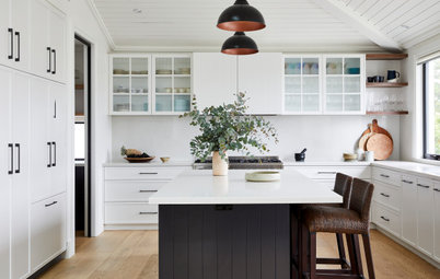 Room of the Week: A Modern Coastal Kitchen With a Hamptons Twist