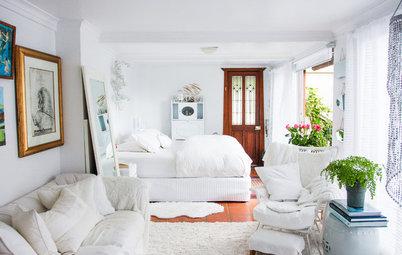 My Houzz: 裏庭の小さな離れを借りて暮らす、アーティストのクリエイティブなオフィス兼自宅