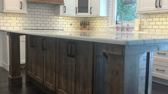 Farm style kitchen in Crystal Lake, IL