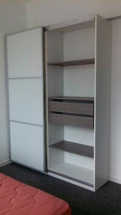besoin d 39 id es pour am nager une chambre de 9m2. Black Bedroom Furniture Sets. Home Design Ideas