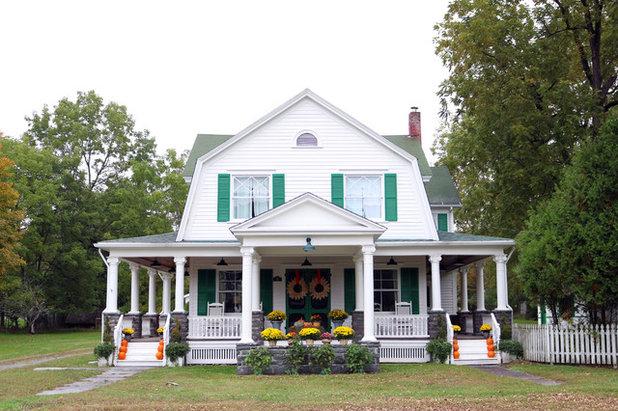 Farmhouse  Houzz Tour: The Farmhouse Project