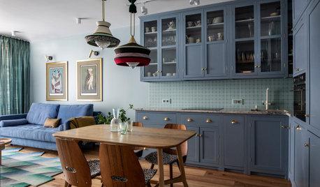 Проект недели: Синяя кухня с винтажными предметами и зайцем