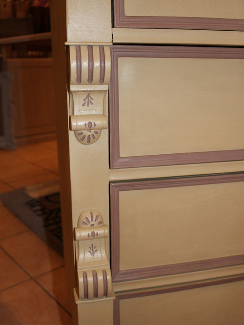 Details mit Kreidefarbe - Accent Chests And Cabinets