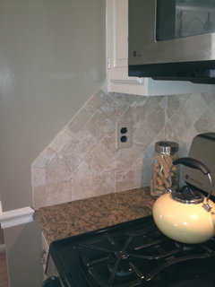 Backsplash With Cabinets And Countertop That Don T Line Up