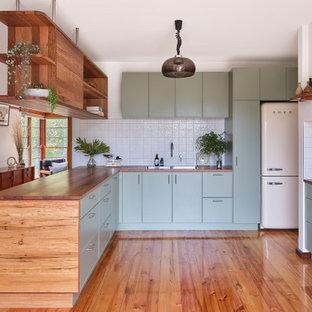 Design ideas for a midcentury kitchen in Canberra - Queanbeyan.