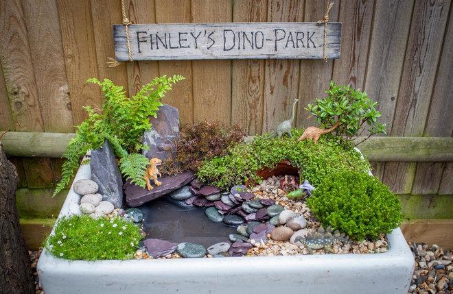 by Simon Orchard Garden Design