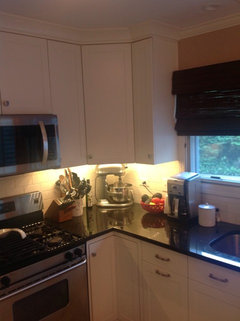 Which white paint for kitchen cabinets? BM Decorator white ...