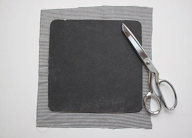 diy relookez votre tapis de souris en 10 minutes. Black Bedroom Furniture Sets. Home Design Ideas