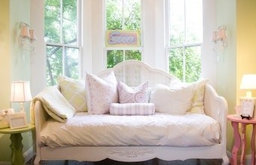 Roselyn Daybed