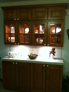 Charmant Lights Inside Glass Cabinets