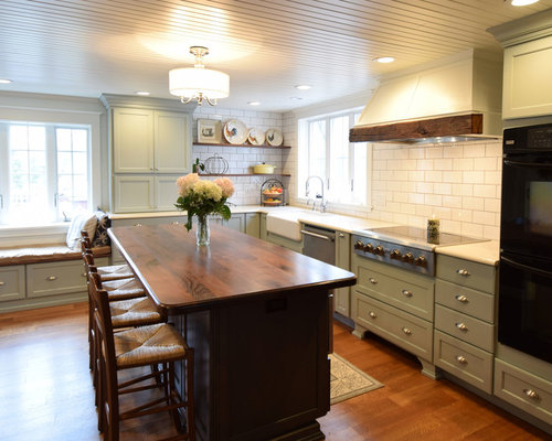 FARMHOUSE KITCHEN CABINETS - Kitchen Cabinetry