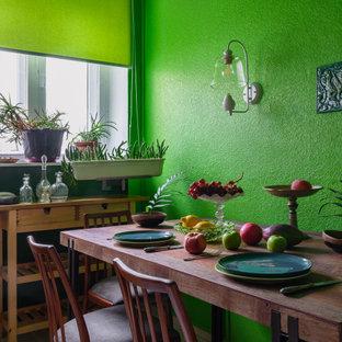 Стильный дизайн: отдельная столовая среднего размера в стиле фьюжн с полом из керамической плитки и белым полом - последний тренд