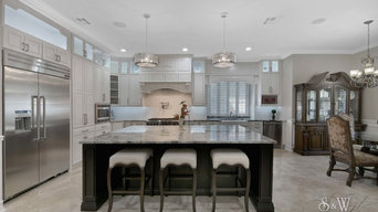 Spacious Transitional Kitchen