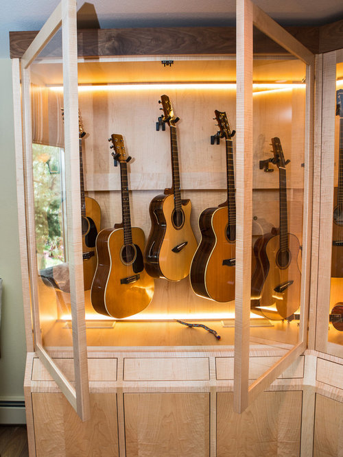 Humidified Guitar Cabinet