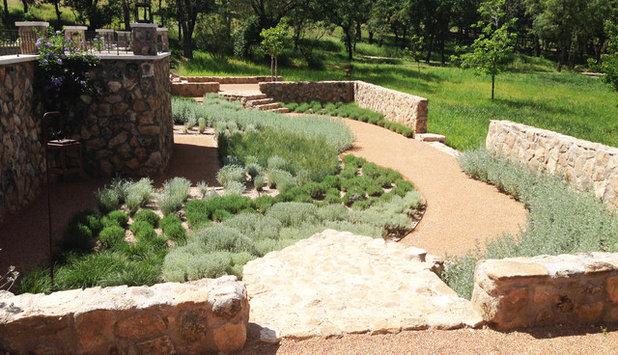 Pregunta al experto qu suelo instalo en mi patio o jard n - Pavimento jardin ...