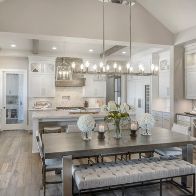 Example of a transitional home design design in Wichita