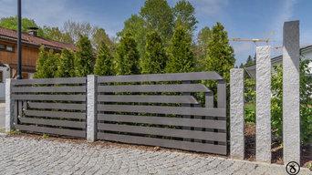 Moderne Zaun- und Toranlage