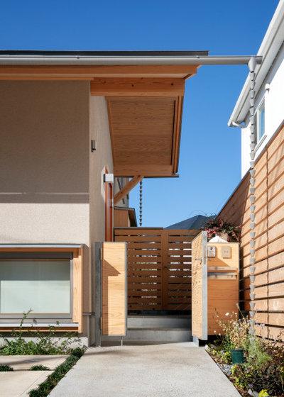 家の外観 by 中村聖子/横山設計室