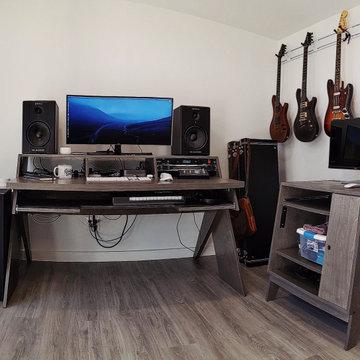 12x20 Signature Series Home Office & Music Studio