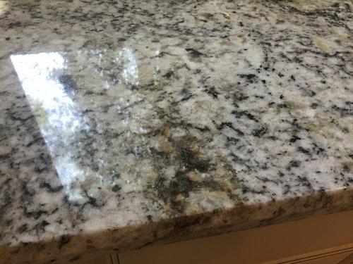 White ice granite has rust stains?