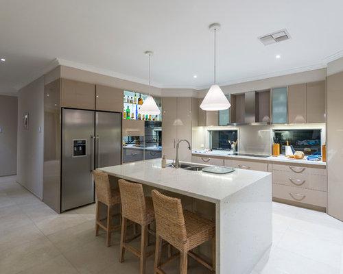 cuisine parall le avec un plan de travail en terrazzo photos et id es d co de cuisines. Black Bedroom Furniture Sets. Home Design Ideas